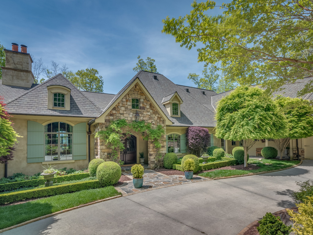 Property Image for 501  High Cliffs Road<br/>Hendersonville, North Carolina 28739