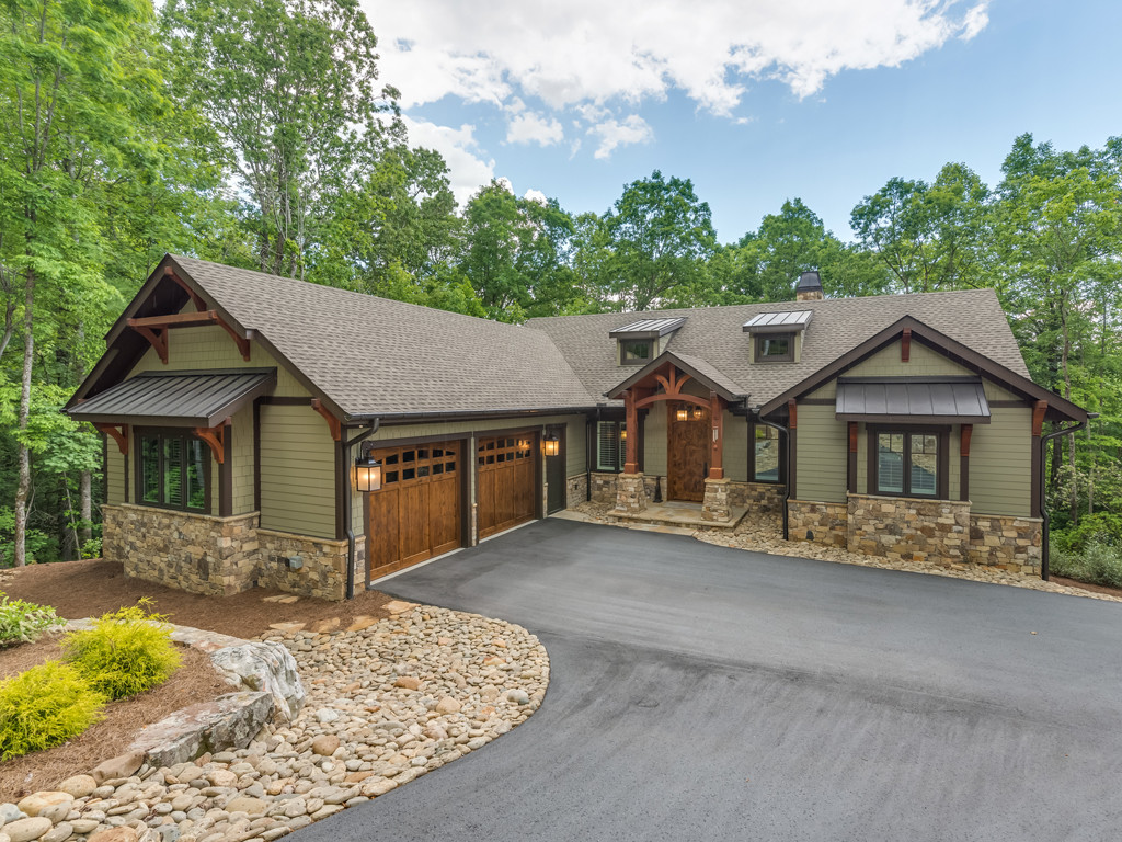 Property Image for 400  Raven Cliff Drive<br/>Hendersonville, North Carolina 28739