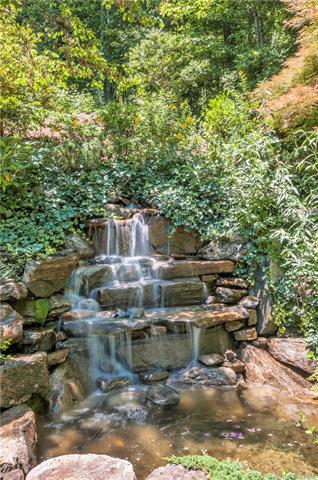 Image 3 for 494 Overlook Park Drive in Hendersonville, North Carolina 28792 - MLS# 3185087