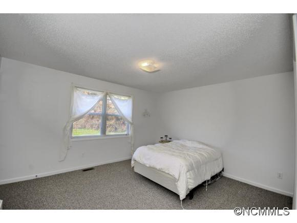 Image 9 for 42 / 48 Captains Point in Cullowhee, North Carolina 28723 - MLS# 592294